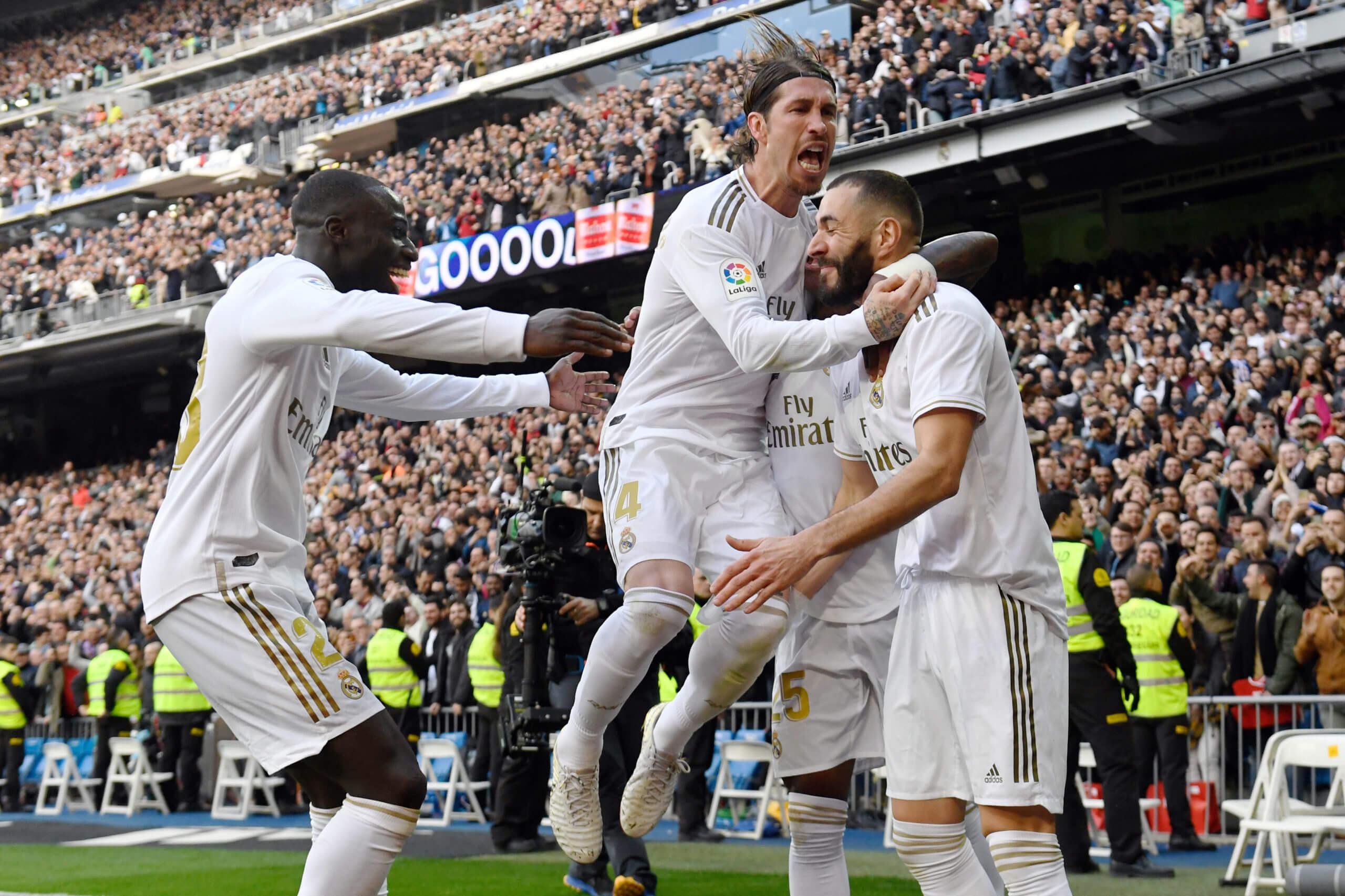 Karim Benzema feirer etter scoring mot Aletico Madrid
