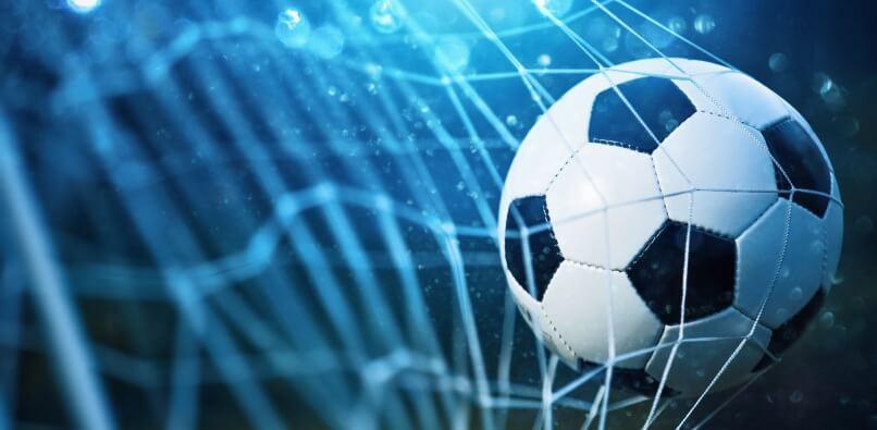 Helgens storkamper i fotball